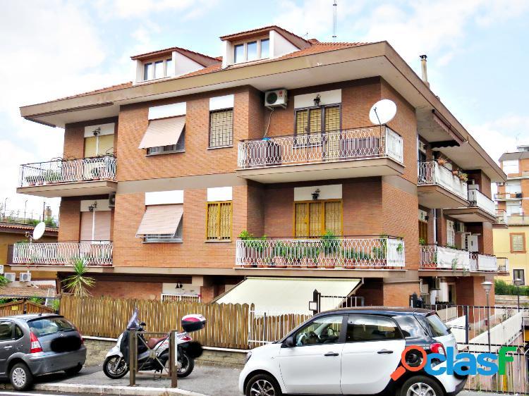 Appartamento 3 locali alessandrino spazi esterni