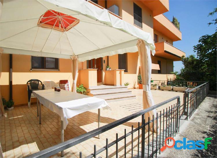 Castelfidardo - appartamento con 3 camere da letto