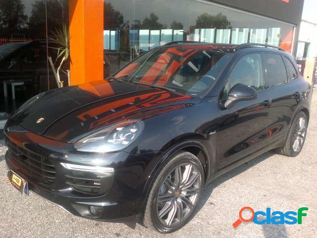 PORSCHE Cayenne diesel in vendita a Castegnato (Brescia)