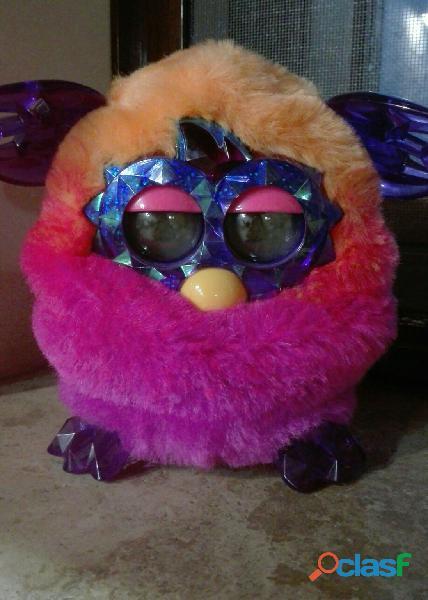 Furby giocattolo interattivo