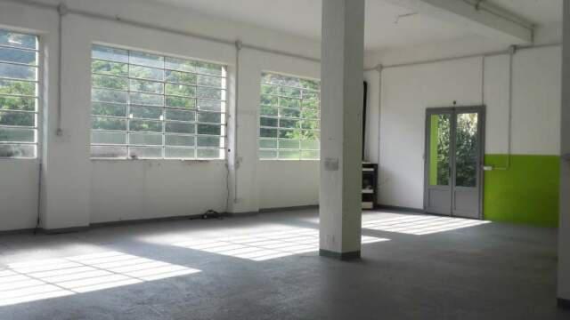 Capannone / laboratorio / magazzino a varallo