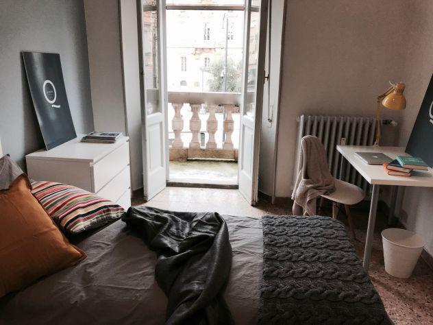 Camera singola pavia con balconcino privato