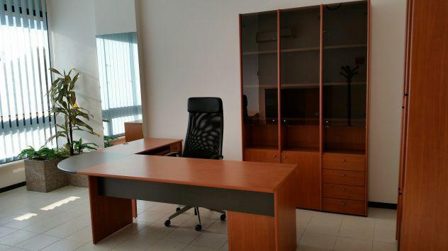 Affittasi ufficio arredato centro affaires settembre for Centro ufficio