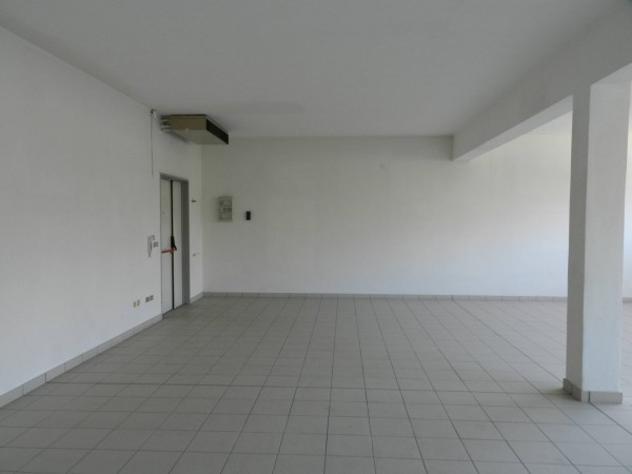 Immobile di 116 m² con 1 locale in affitto a bologna