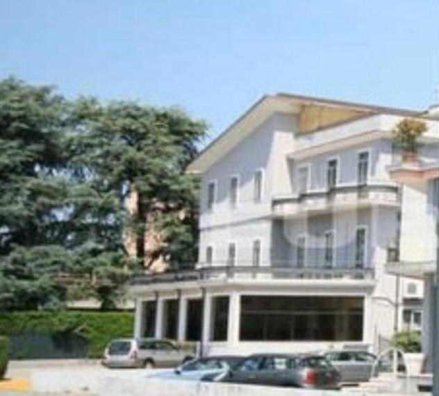 Immobile di 1190 m² con più di 5 locali in vendita a