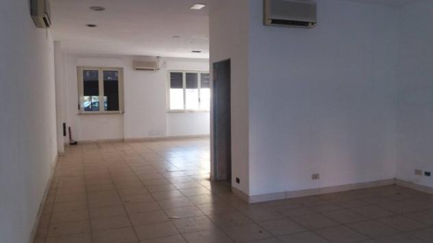 Immobile di 95 m² con 1 locale in affitto a fonte nuova