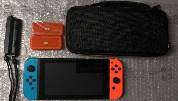 Nintendo switch con giochi e accessori