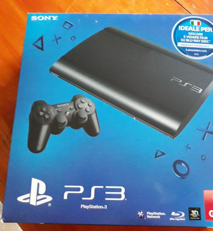 Playstation 3 superslim con 12 giochi originali