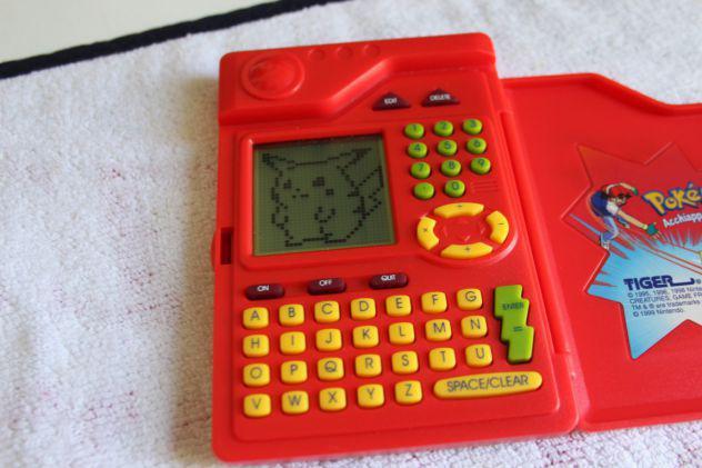 Pokemon pokedex tiger 1999 usato funzionante ottime