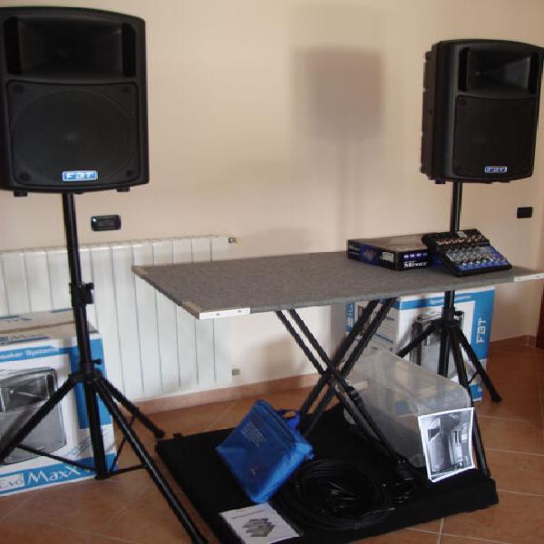 Attrezzatura completa per karaoke, piano-bar,