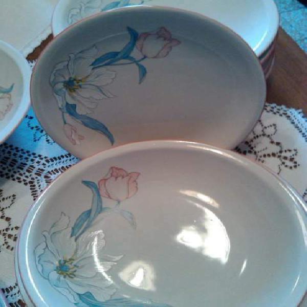 Servizio piatti 19 pz. dipinti a mano. porcellana d'epoca