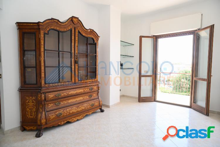 Domitilla - 2 locali con vista mare € 119.000 t207