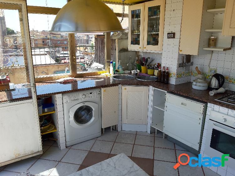 Trastevere - attico/mansarda 5 locali € 950.000 t506