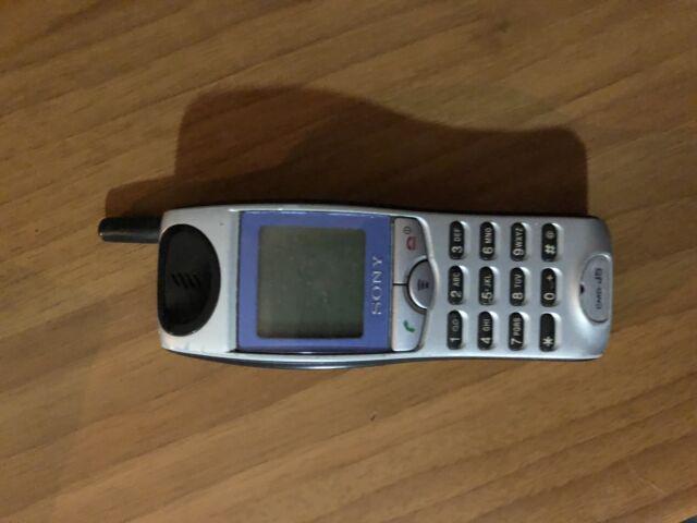 Cellulare sony cmd-j5