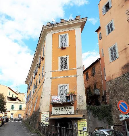 Centro storico - appartamento 3 locali € 119.000 t303