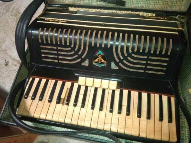 Fisarmonica ariston castelfidardo anni '50
