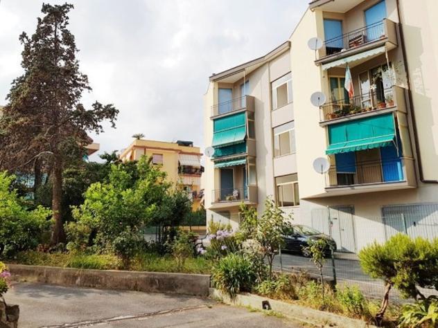 Appartamento di 90 m² con 4 locali e box auto in vendita a