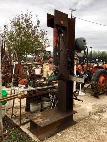 Macchine agricole ABG Spaccalegna verticale 30