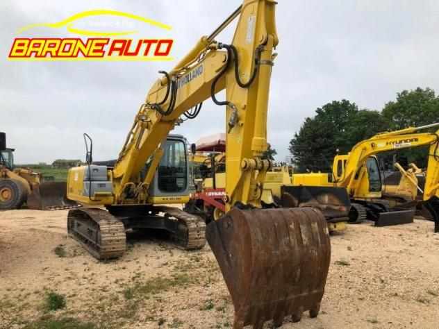 New holland escavatore 215 b vendita o noleggio rif.