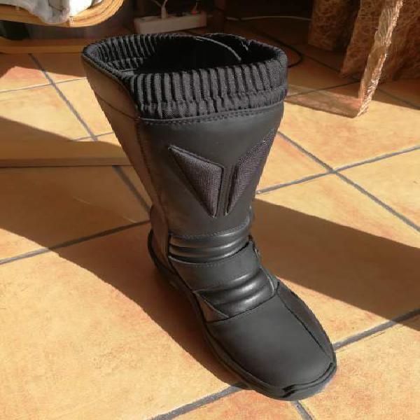 Stivali moto usati 【 ANNUNCI Marzo 】 | Clasf