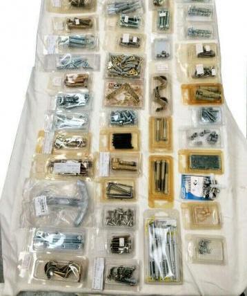 Stock 90 pezzi ferramenta
