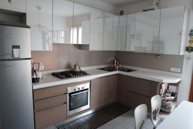 Torre - centro appartamento 3 camere da letto ultimo piano