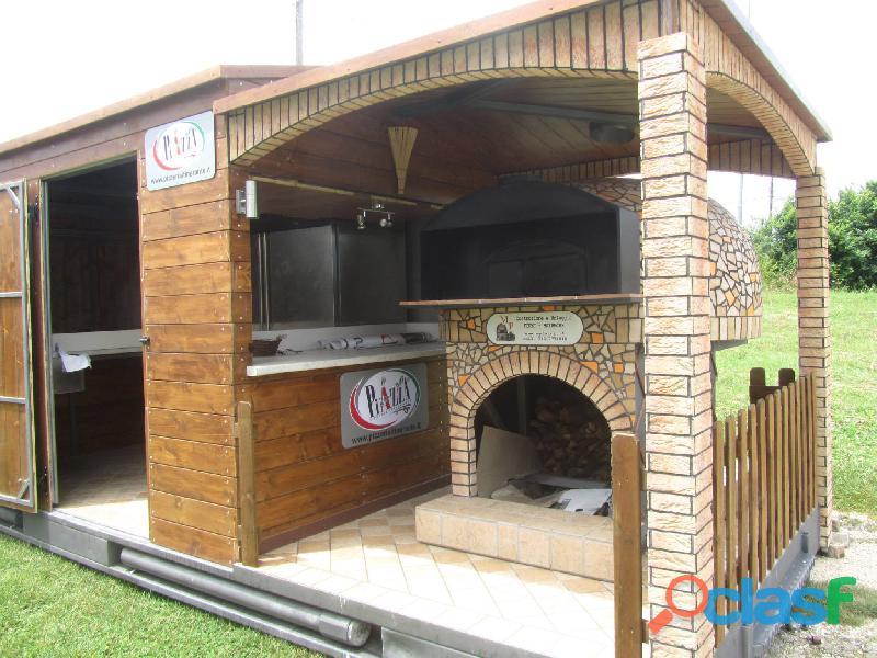 auto negozio pizzeria mobile con forno a legna