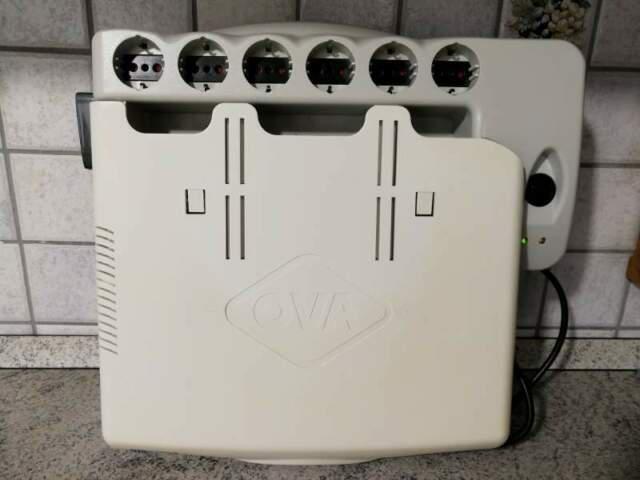 Supporto porta desktop con 6 prese e pulsante accensione e