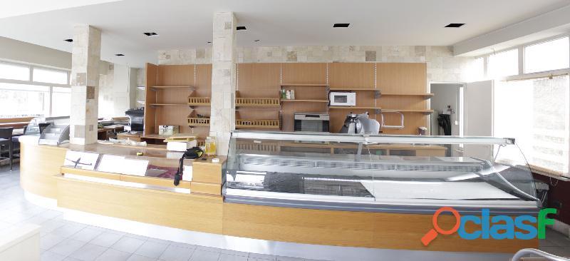 Banco bar 7m frigo e retro esposizione