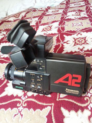 Set di tre macchine fotografiche più telecamera.