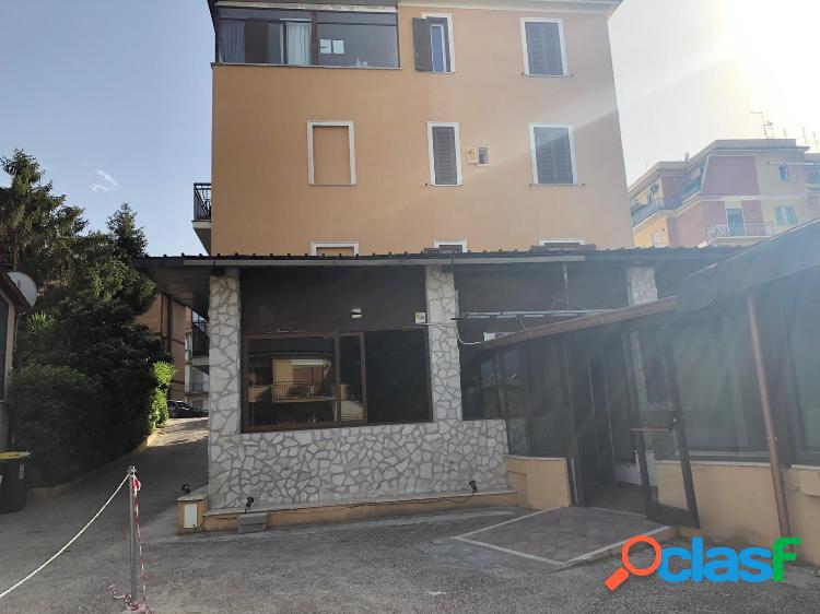 Monterotondo - attività 5 locali € 1.800 aa501