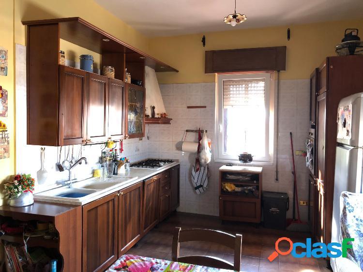 Gregna sant andrea - appartamento 5 locali € 850 a304