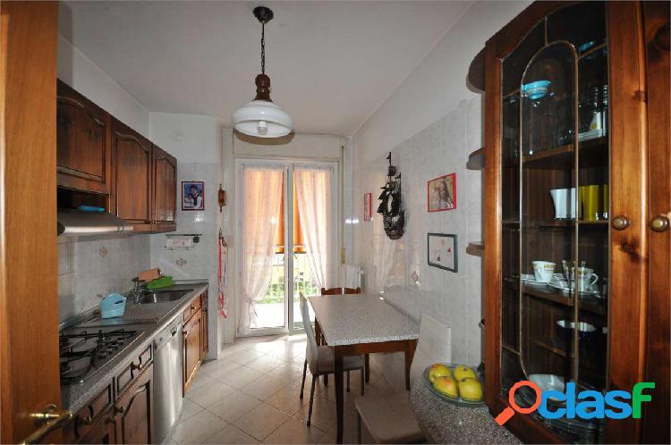 Appartamento al terzo piano con cantina in vendita