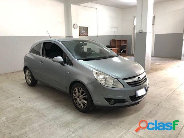 Opel corsa benzina in vendita a san giuseppe vesuviano (napoli)