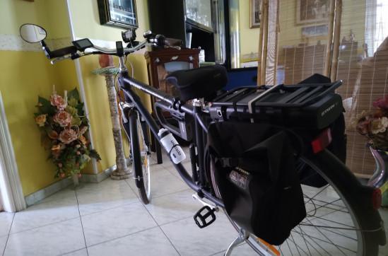 Bici city btwin elops 900e con batteria a litio 36 v