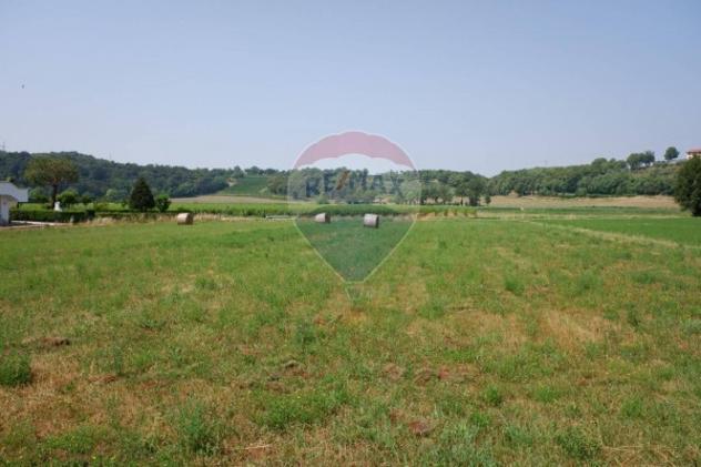 Terreno di 900 m² in vendita a padenghe sul garda