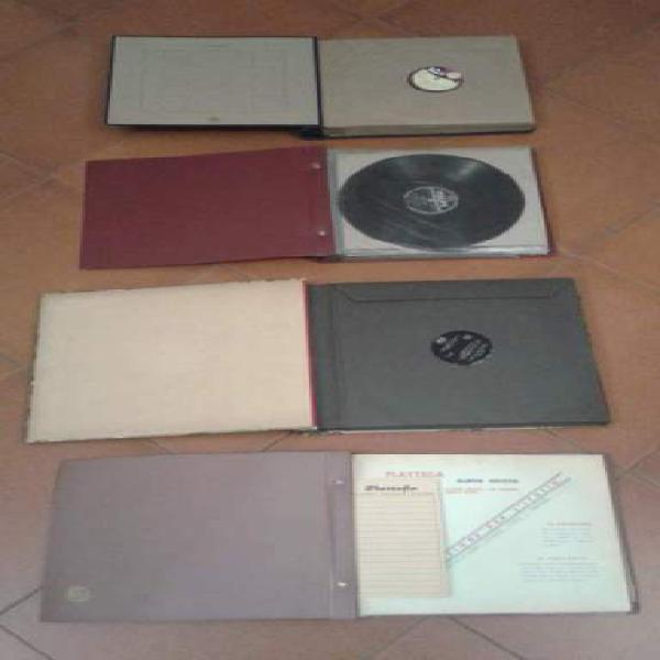 4 cofanetti con all'interno dischi in vinile di vari generi