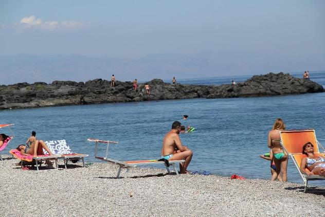 Giardini naxos recanati, vicino al mare, 6km da taormina