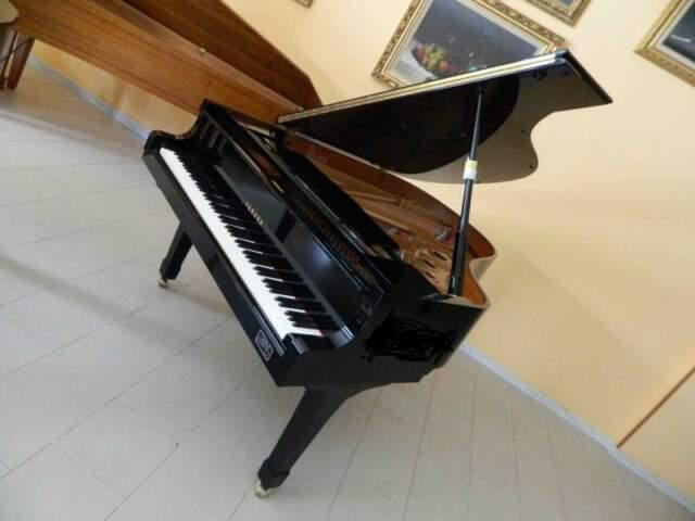 Pianoforte a coda yamaha c3 con silent della casa