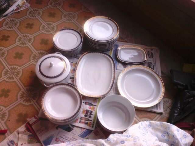 Servizio piatti x 12 porcellana greca ionia bordi oro