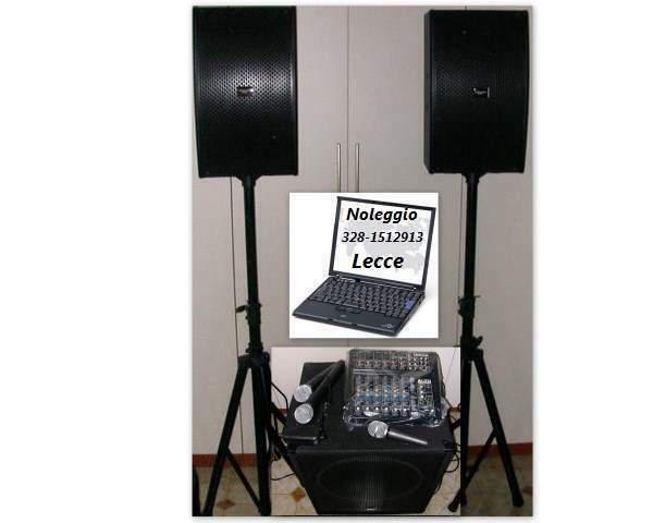 Servizio di amplificazione e microfoni.