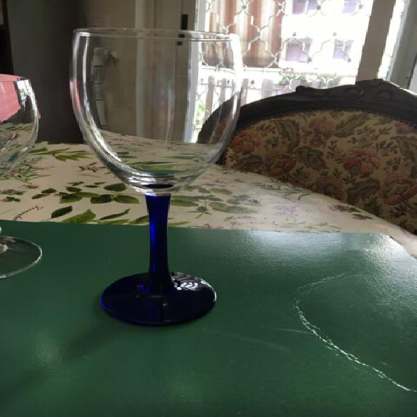 Servizio di bicchieri flute a gambo blu