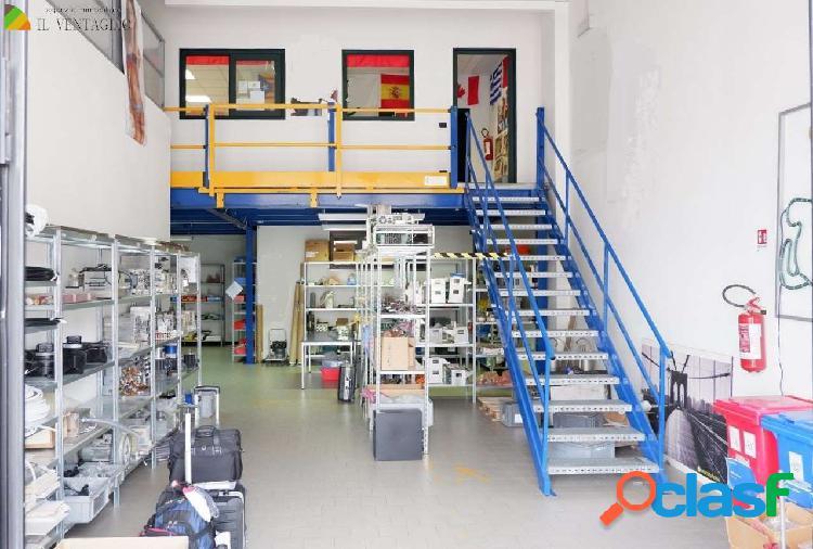 Capannone/laboratorio