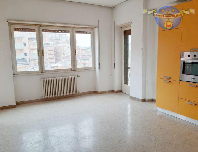 S. benedetto-appartamento in centro con vista mare