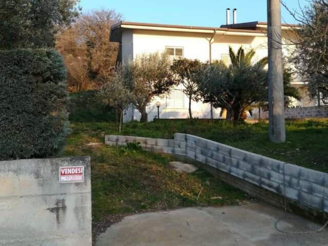 Villetta semi indipendente su 2 livelli