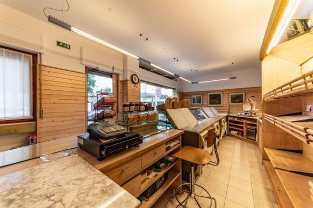 Immobile di 193 m² con più di 5 locali in vendita a