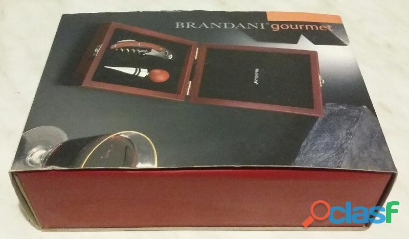 Bellissimo cofanetto regalo da enoteca Brandani, composto da 2 PZ acciaio inox e scatolo in radica