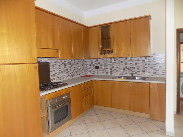 Appartamento arredato ben rifinito centralissimo.