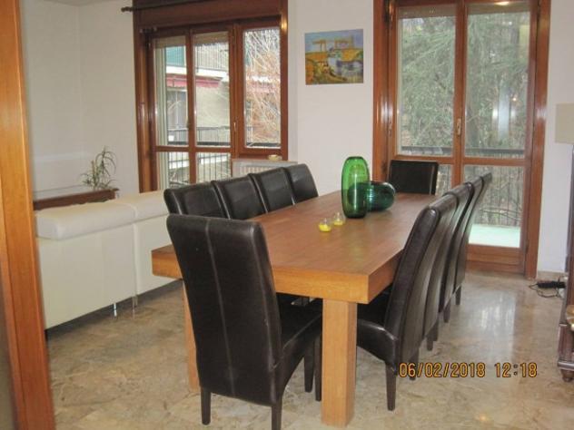 Appartamento di 170 m² con 5 locali e box auto in affitto a