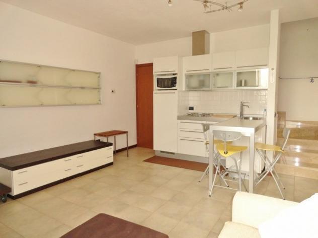 Appartamento di 70 m² con 2 locali e box auto in affitto a